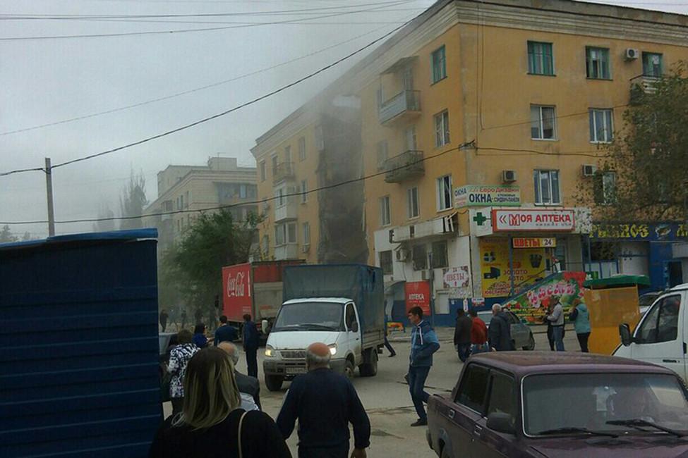 Минимум два человека погибли врезультате взрыва газа вжилом доме вВолгограде