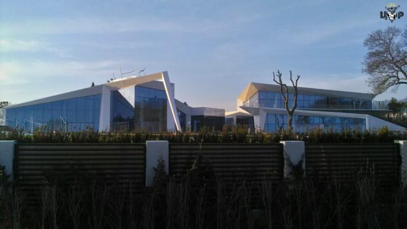 Вид на«базу отдыха» снабережной Геленджика. Фото: ЦУР