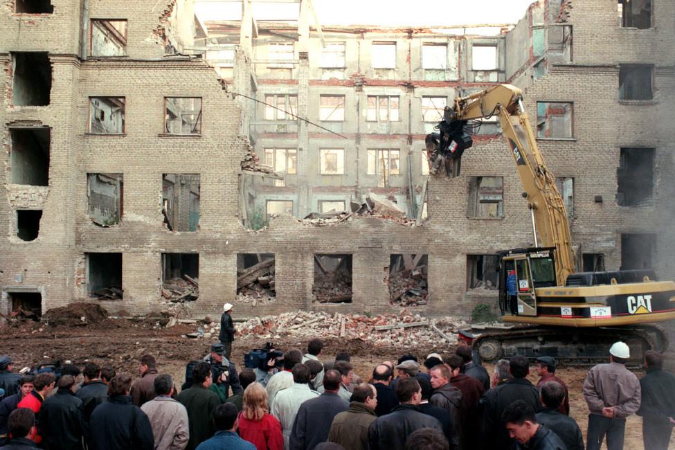 Григорий Ревзин сравнивает снос пятиэтажек при Лужкове иСобянине
