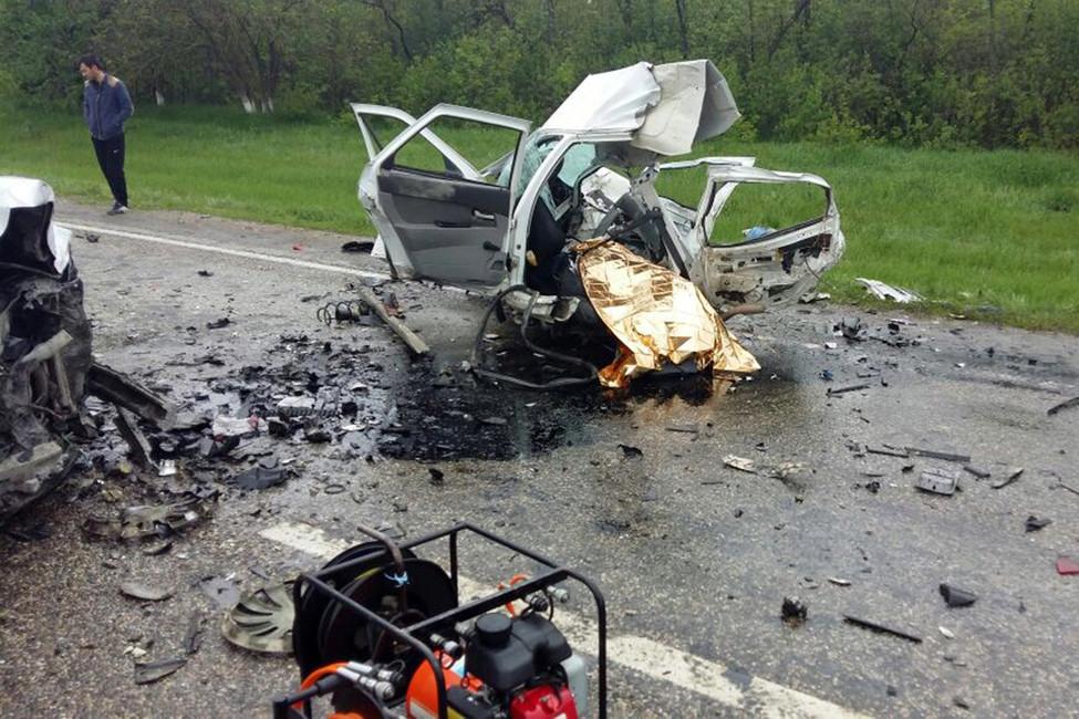 ВСтавропольском крае врезультате ДТП погибли четыре человека