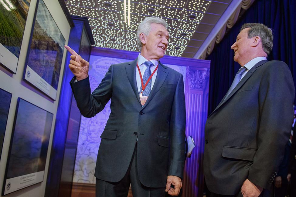 Управделами президента распродает свои объекты структурам Елисеева иТимченко