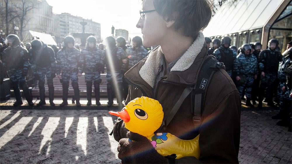 «Путин страну сколен поднял. Коррупцию непобедить»: вОрехово-Зуеве хотят отчислить организатора митинга 12июня