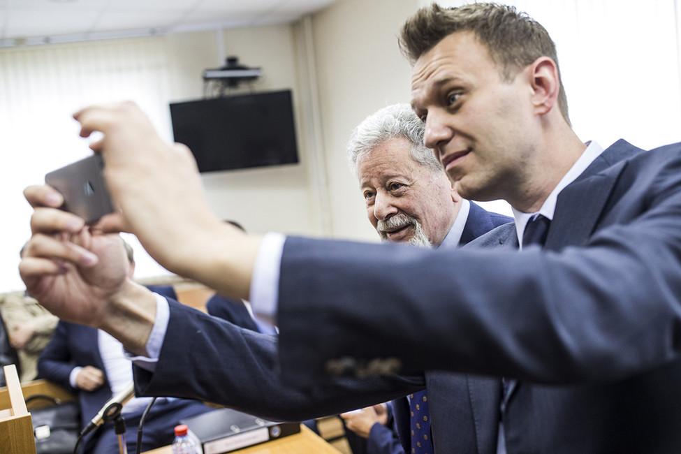 «Генрих Павлович, можно свами сфотографироваться?». Фото: Евгений Фельдман/ проект «Это Навальный»