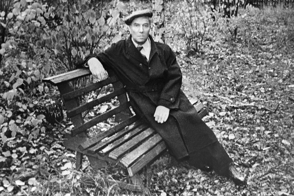 Борис Пастернак вПеределкино, 1958год. Фото: Фотохроника ТАСС