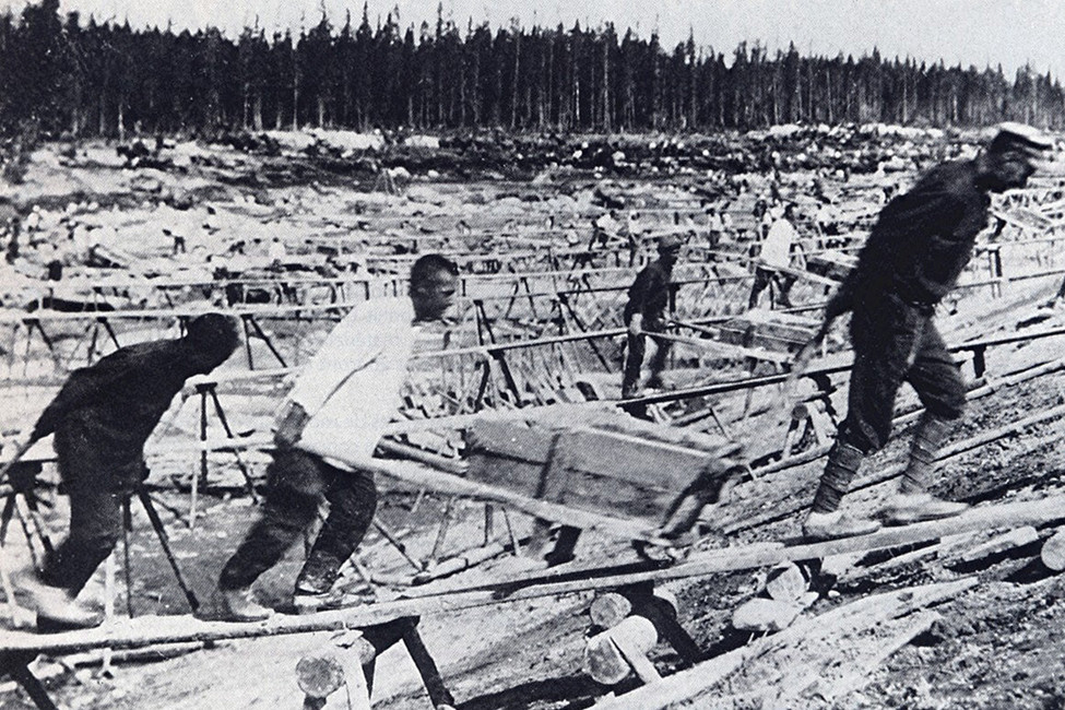 Узники Особого лагеря №4(онже Степлаг). Накануне Кенгирского восстания. Фото: wikimedia commons
