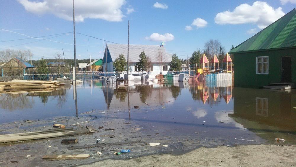 Вода сгор затопила ямальское село Овгорт