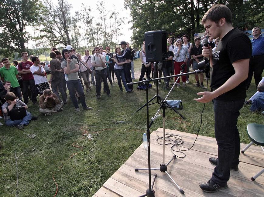Алексей Гаскаров вовремя первого открытого форума гражданских активистов наприроде «Антиселигер» вХимкинском лесу, 2011год. Фото:  Александр Вайнштейн/ Коммерсантъ