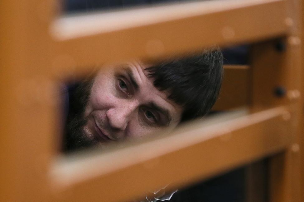 Обвиняемый вубийстве Бориса Немцова Заур Дадаев вздании суда. Фото: Сергей Савостьянов/ ТАСС