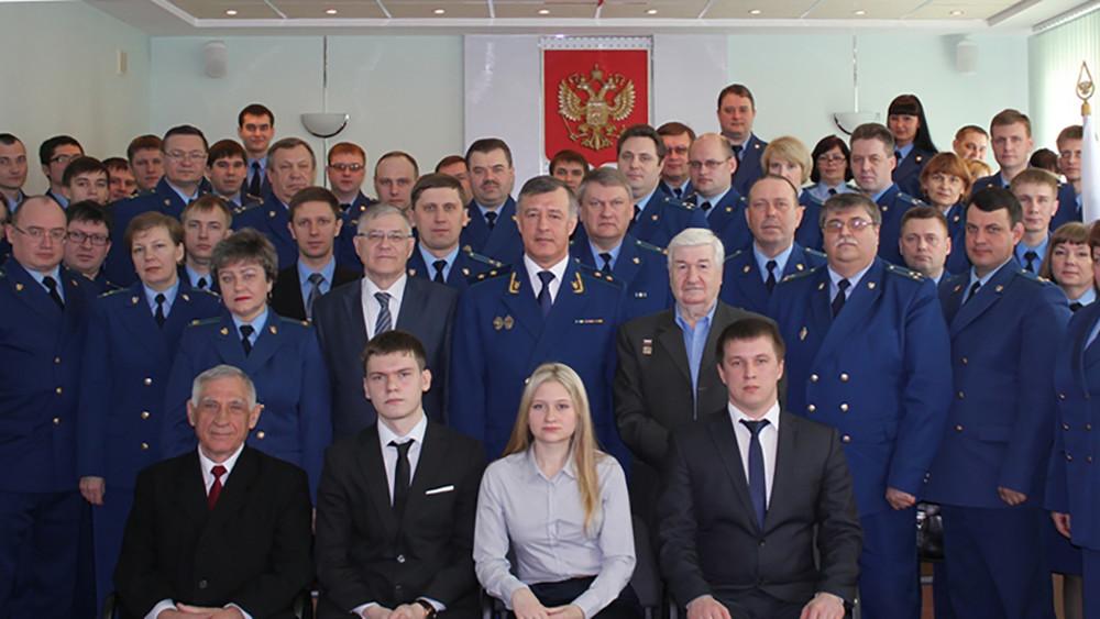 Ульяновская облпрокуратура стретьего раза возбудила уголовное дело окраже денег сосчета заключенного