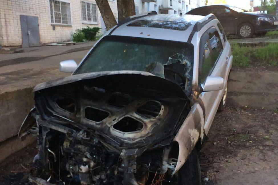 ВКирове сожгли автомобиль координатора штаба Навального