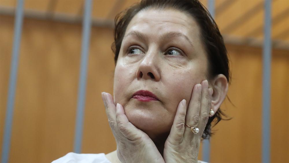 Наталья Шарина: «Когда государственная машина начинает раскручиваться, отмаленького человека ничего неостается»