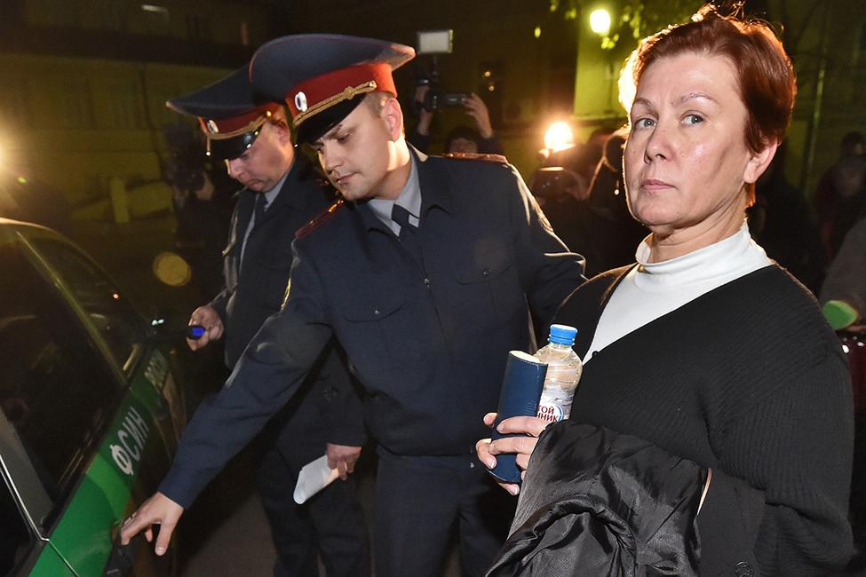Наталья Шарина после заседания Таганского районного суда, 2015год. Фото: Анатолий Жданов/ Коммерсантъ
