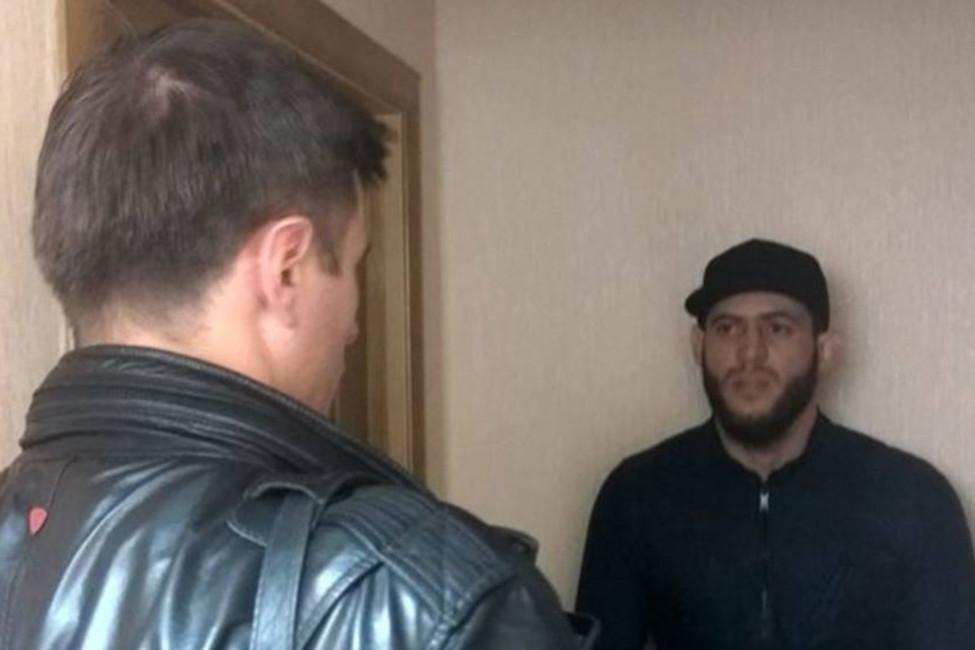 «Амриева все равно пытаются удерживать». Дело бойца ММА уже закрыто, нооннезаконно остается врозыске