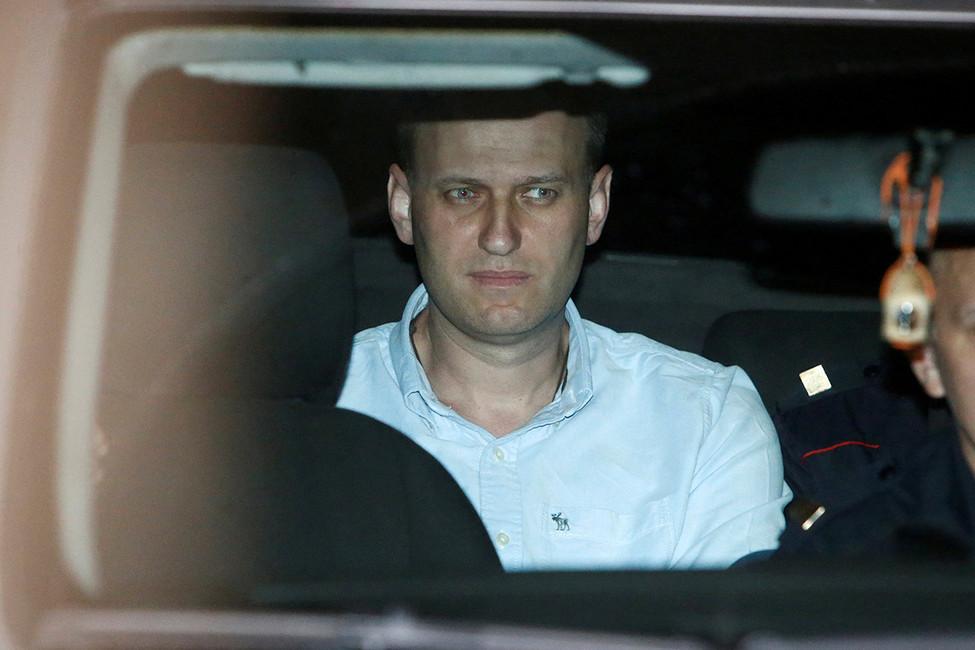 Навальный вышел насвободу после 25суток ареста