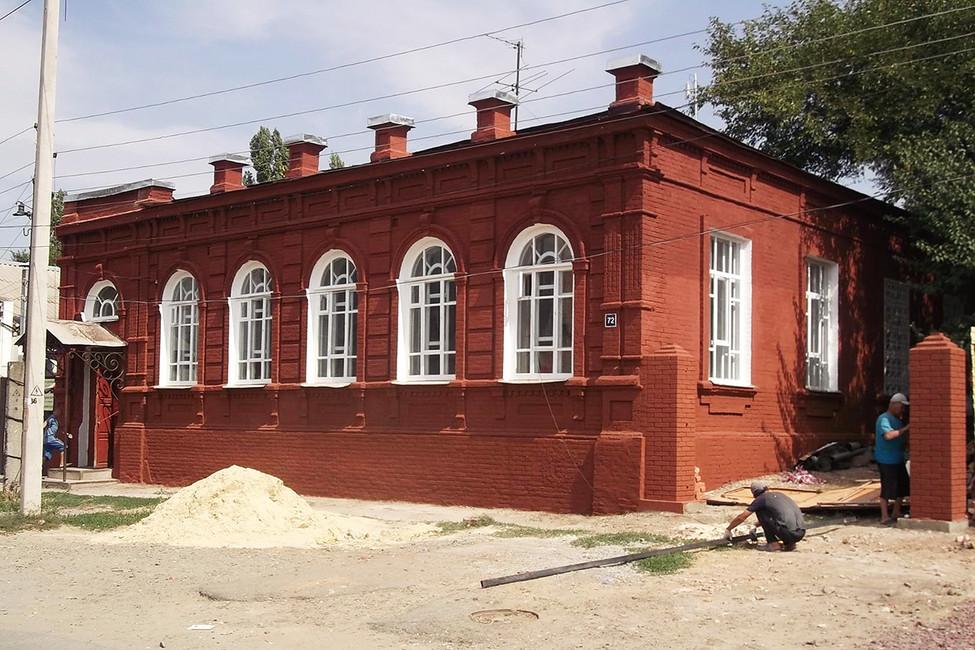 Здание правления станицы «Средняя» вНовочеркасске. Фото: Одноклассники