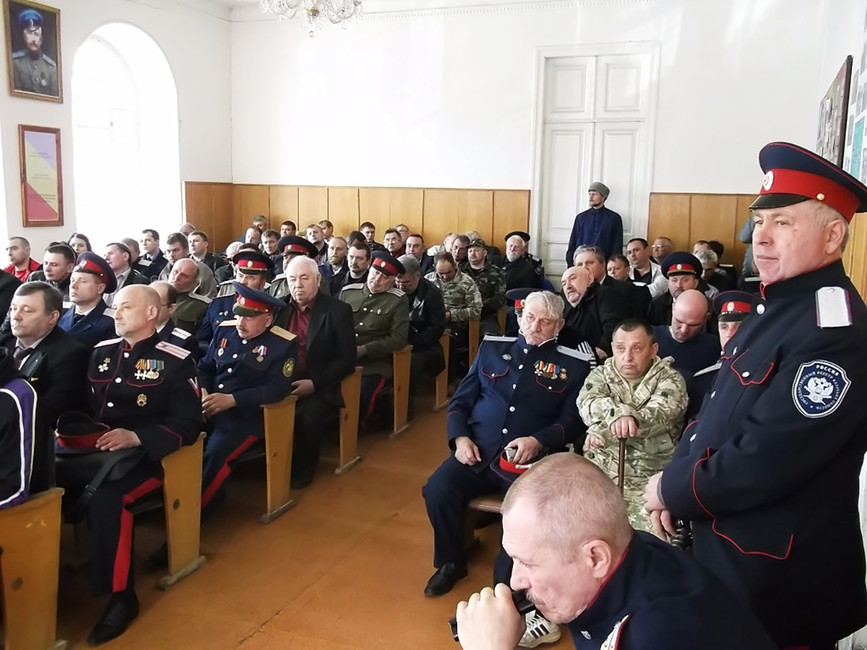 «Мынесторонники ряженых структур». ВНовочеркасске местные казаки борются сРПЦ заисторическое здание