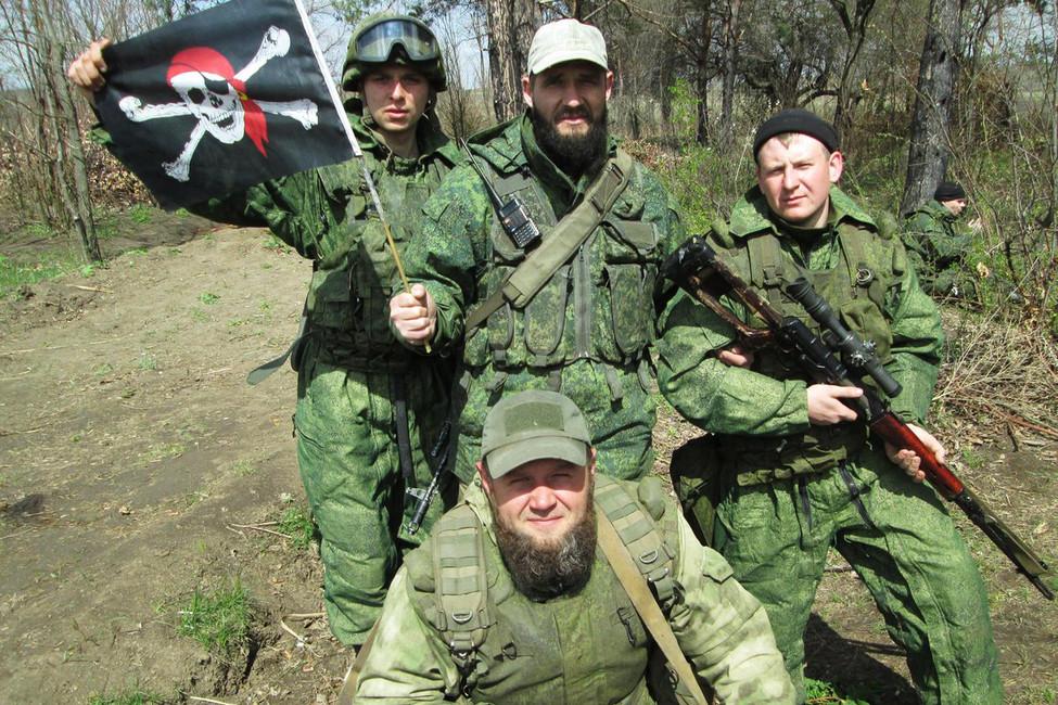 Виктор Агеев (справа) иего подразделение. Источник: Andriy Tsaplienko/ Facebook