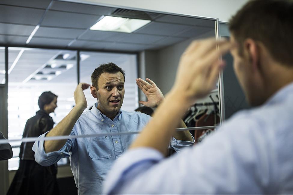 ФСИН попросила суд заменить условный срок Навального нареальный
