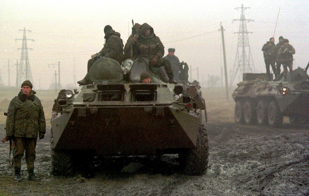 Федеральные силы под Грозным, 1999год. Фото: Алексей Панов/ ТАСС