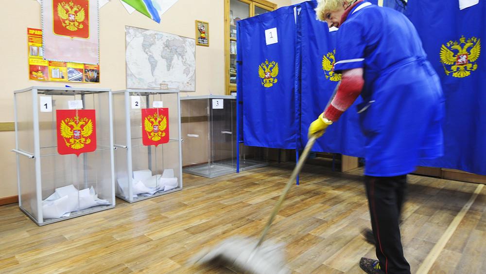 Константин Калачев: «Губернаторские выборы засушили донельзя»