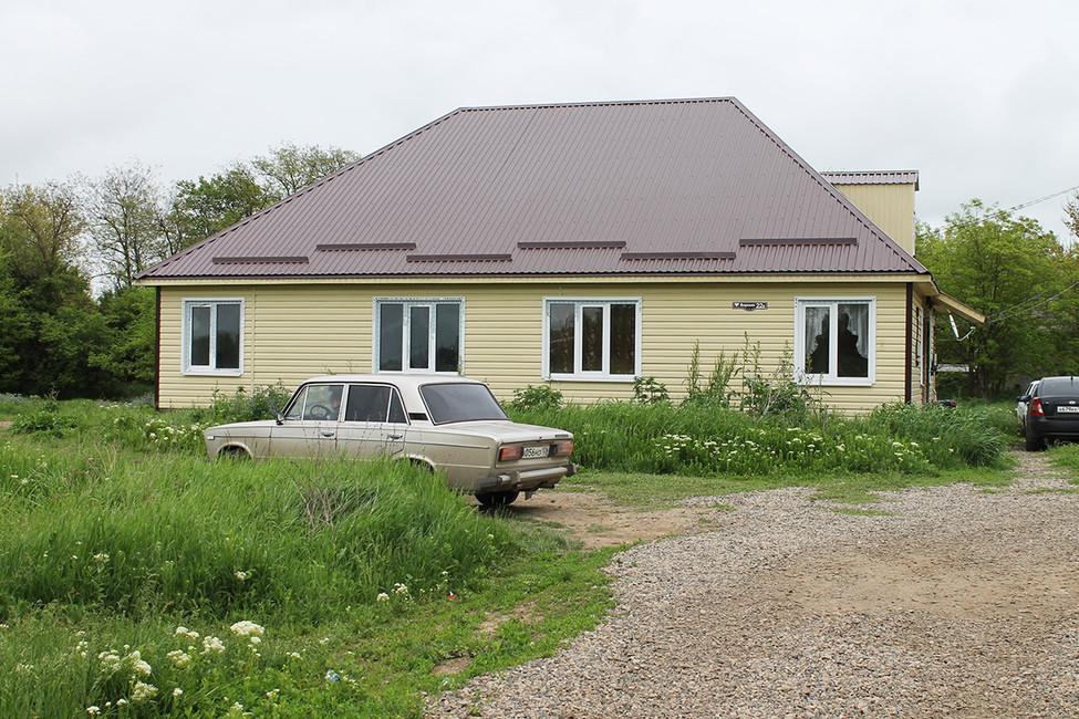 «Канадские» дома, построенные для детей-ситр встанице Лысогорская. Фото: Лариса Бахмацкая