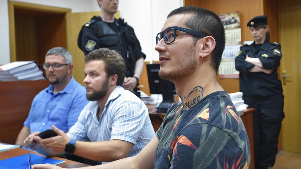 Дело Али Феруза: почему журналиста «Новой» хотят выдворить, ичто его ждет вслучае депортации