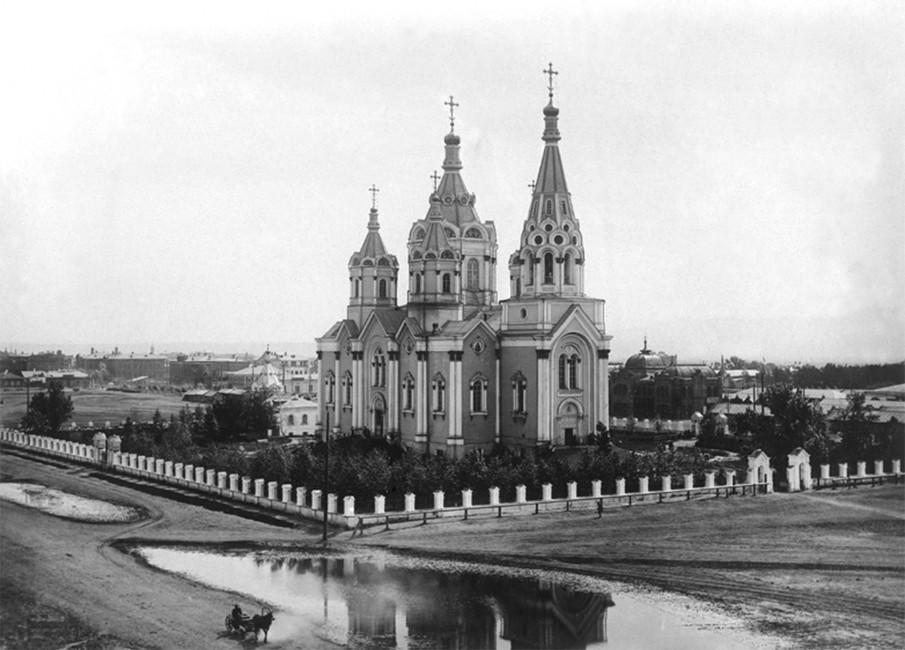 Так выглядел Богородице-Рождественский кафедральный собор довзрыва в1936году. Источник: ngs24.ru