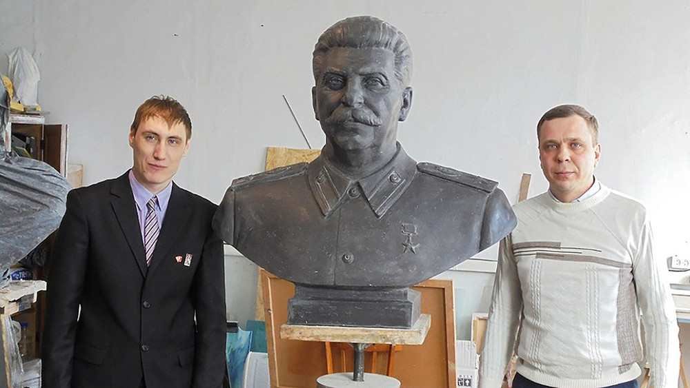 Сталинисты против НиколаяII: игра постаментов вНовосибирске