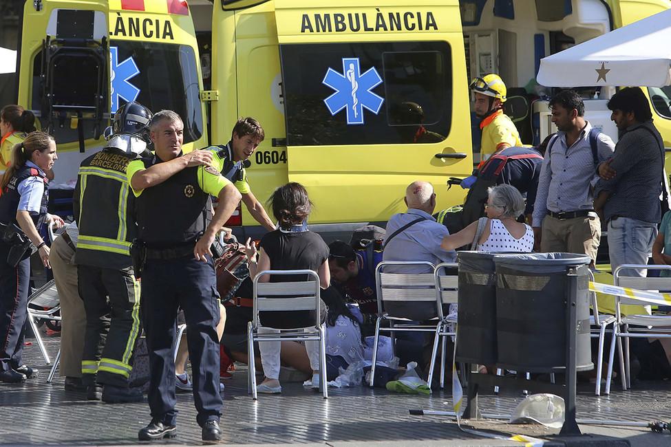 ВБарселоне произошел теракт. Есть раненые ипогибшие
