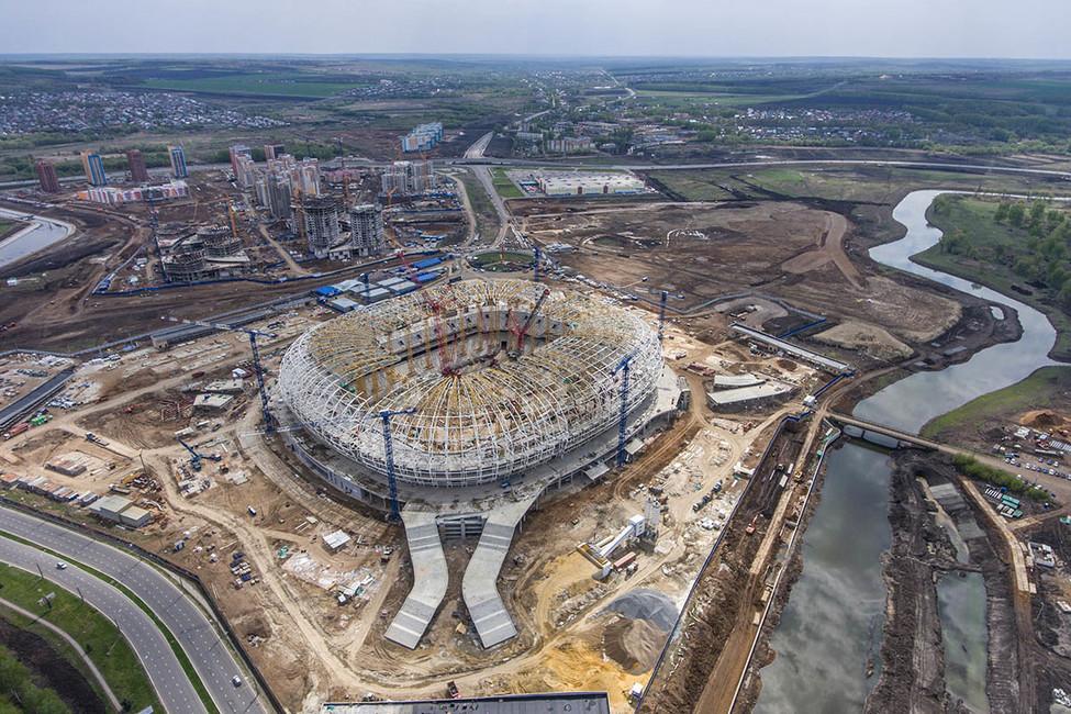 Вид настроящийся футбольный стадион «Мордовия Арена» Саранске. Фото: Станислав Красильников/ ТАСС
