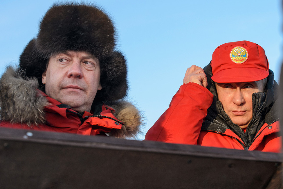 Дмитрий Медведев иВладимир Путин. Фото: Дмитрий Азаров/ Коммерсантъ