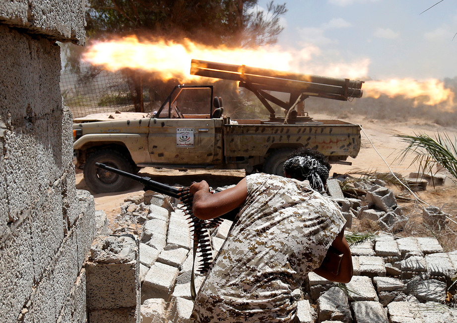 Битва сирийской армии ввойсками ИГИЛ, 2016год. Фото: Goran Tomasevic/ Reuters
