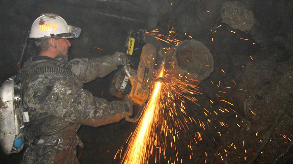 Наруднике «Мир» прекратили поиск восьми шахтеров