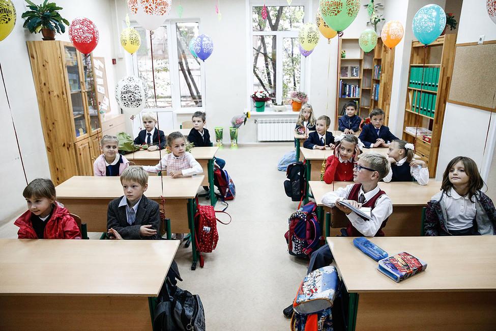 Садись, два: Медведев ошибся на700 тысяч школьников