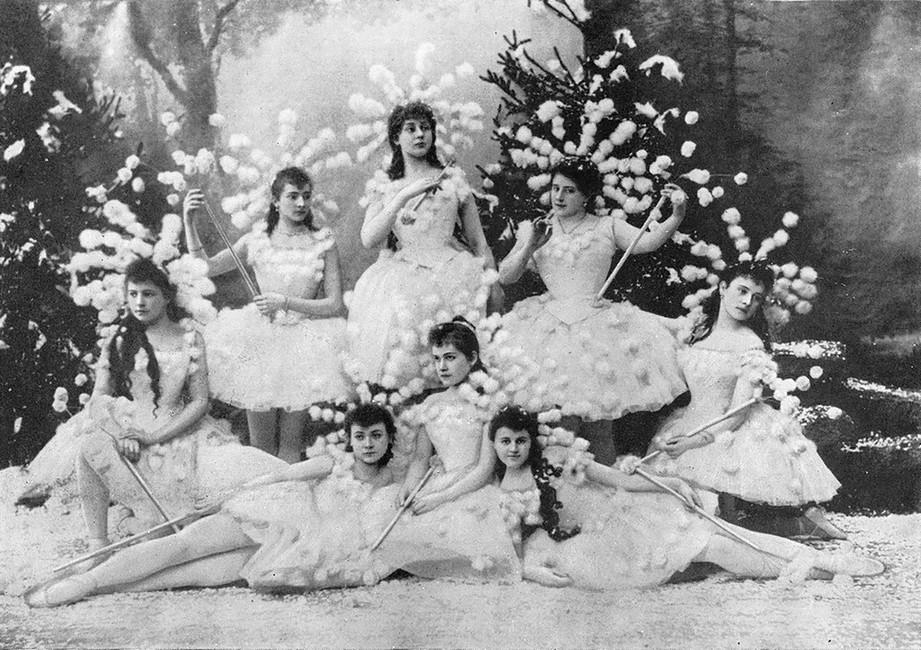 Сцена избалета «Щелкунчик», 1892 год