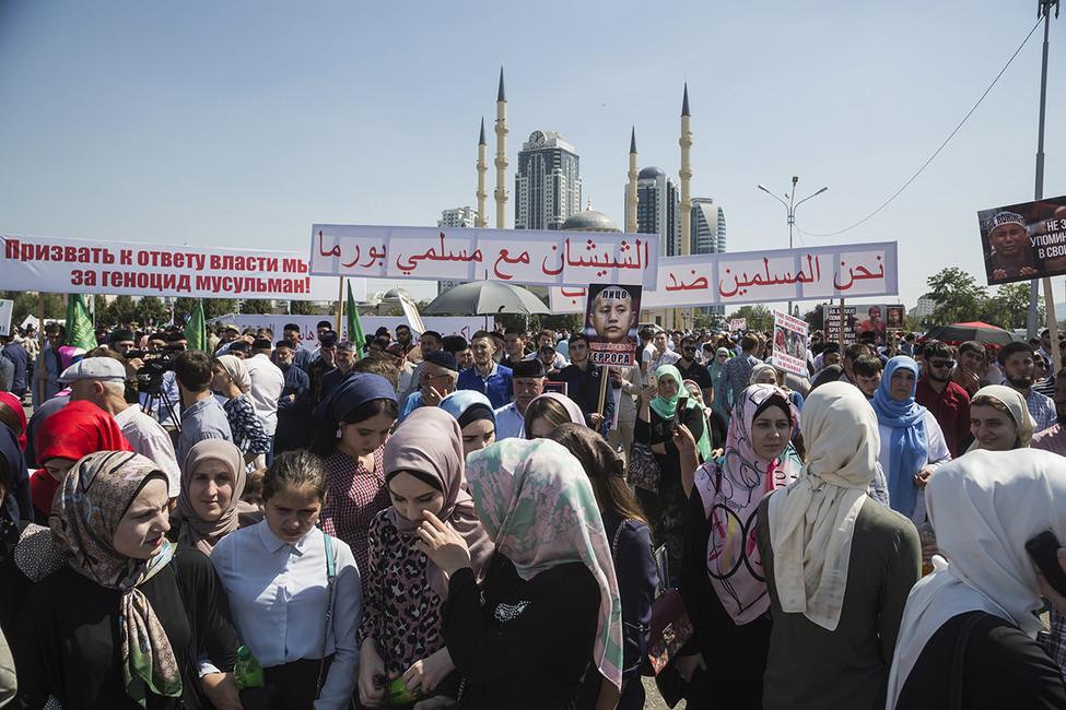 МВД Чечни сообщило, что вмитинге вГрозном приняли участие почти80% населения республики