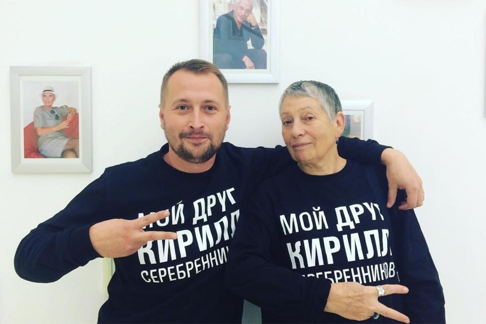 «Мой друг Кирилл Серебренников»: Улицкая, Хаматова, Собчак идругие поздравляют режиссера сднем рождения