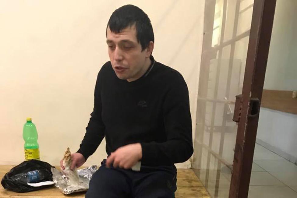 Гражданина Узбекистана задержали исломали ногу после отмены решения обэкстрадиции