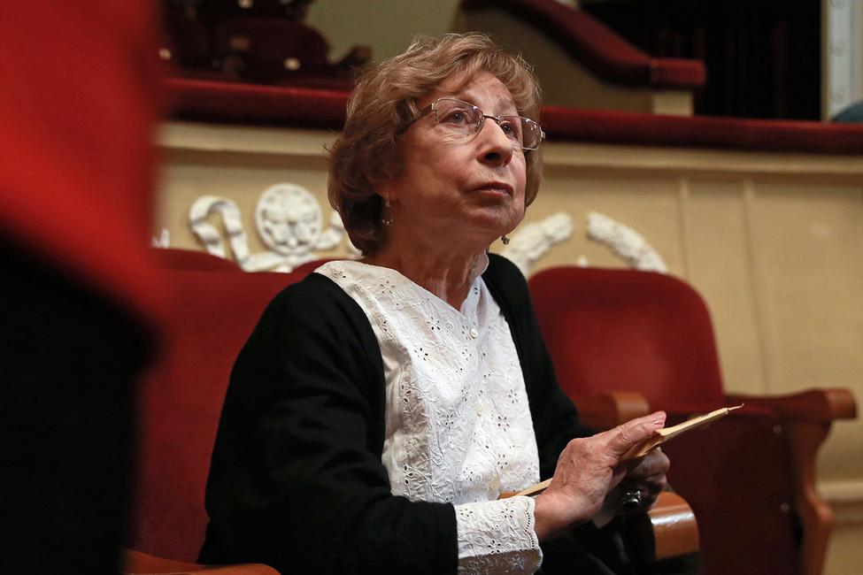 Артистка  Лия Ахеджакова сообщила  описьме с опасностями  икрестом