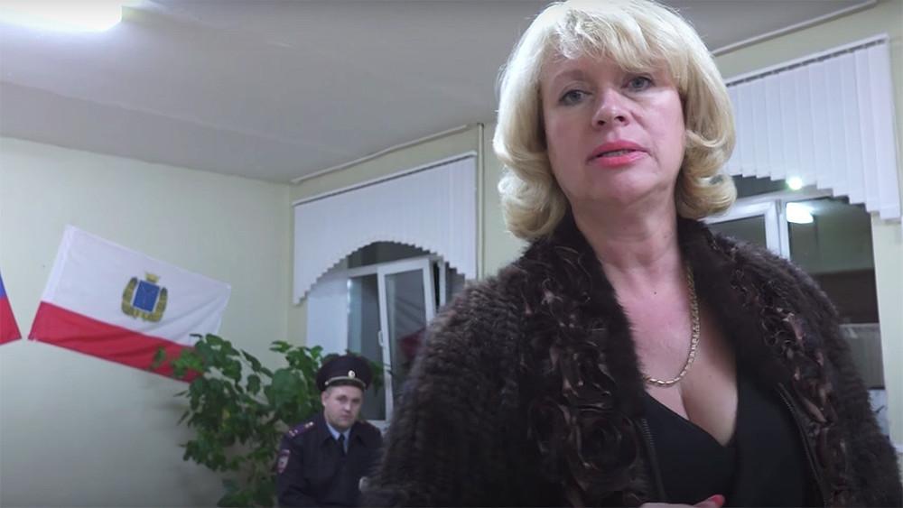 Пьяные выборы. ВСаратове хотят уволить директрису школы задебош наизбирательном участке