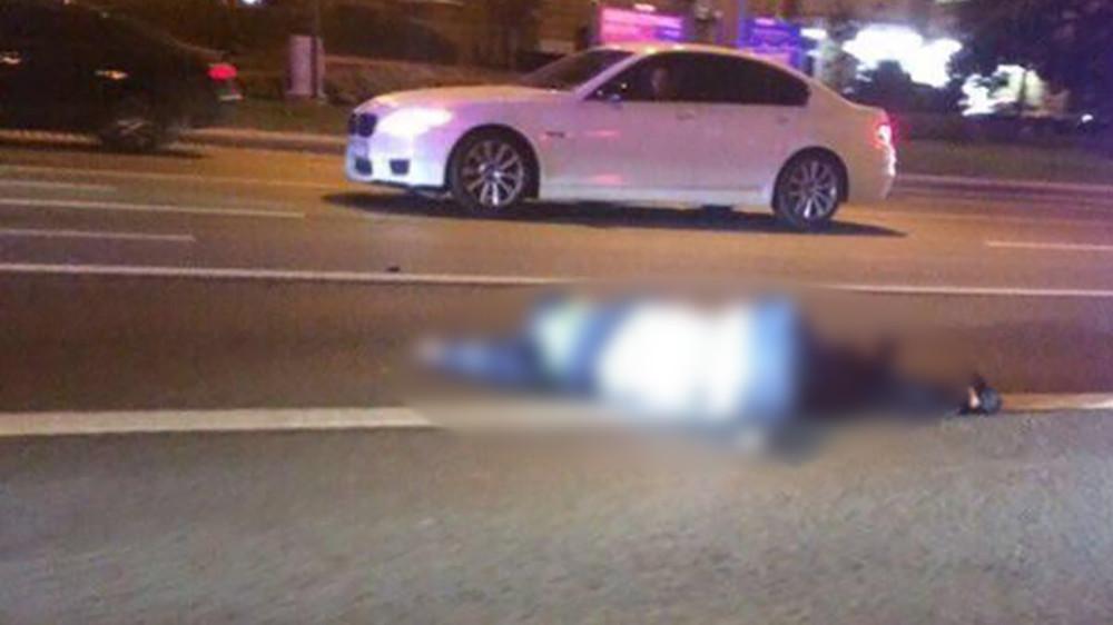Mercedes сномерами ФСБ насмерть сбил сотрудника ГИБДД наНовом Арбате