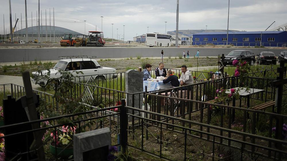 «Этого староверы недопустят»: сочинские старообрядцы требуют отвласти вернуть кладбище общины