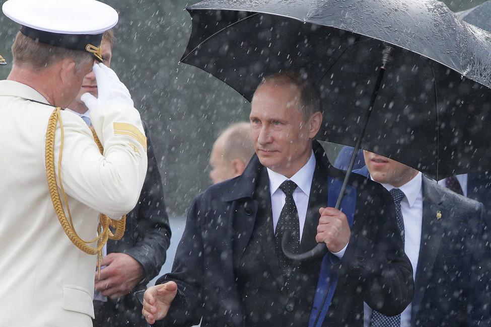 ВТамбове студентов сгоняют намитинг для имитации поздравительной открытки для Путина