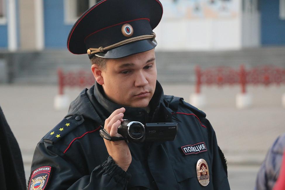 ВЮжно-Сахалинске восемь участников акции «ЗаНавального» задержала полиция