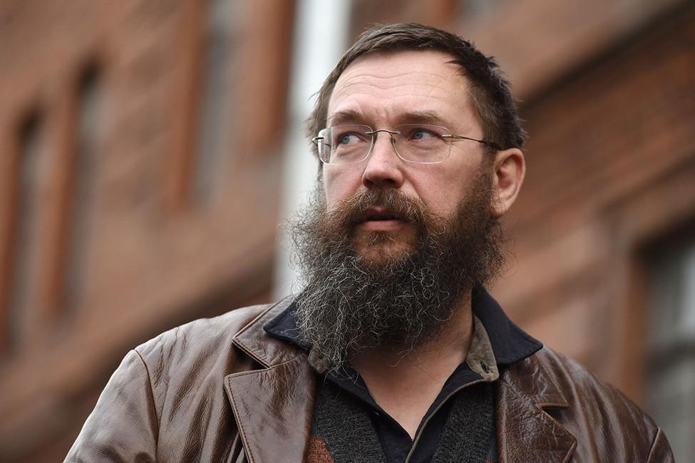 Герман Стерлигов оскорбил иуволил свою сотрудницу, угостившую гея