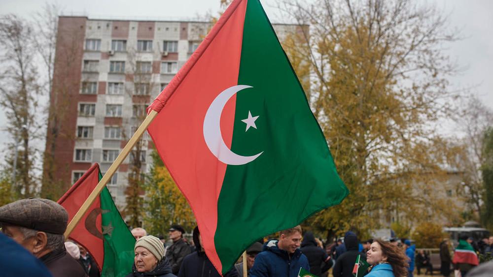 «Это непротест, это день памяти»: как вдень павших вбою 500-летней давности казанцы непослушались чиновника