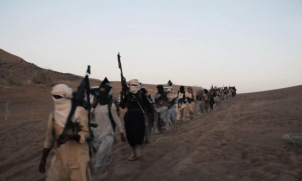 Боевики ИГугорода Эль-Карьятайн назападе Сирии. Фото: Zuma/ ТАСС