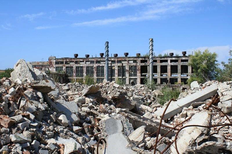Поколено вмазуте. Назначенец Меркушкина хочет построить школу наопасной для здоровья детей территории