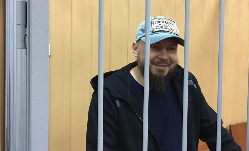 Суд приговорил фигуранта «дела 26марта» Алексея Политикова кдвум годам колонии