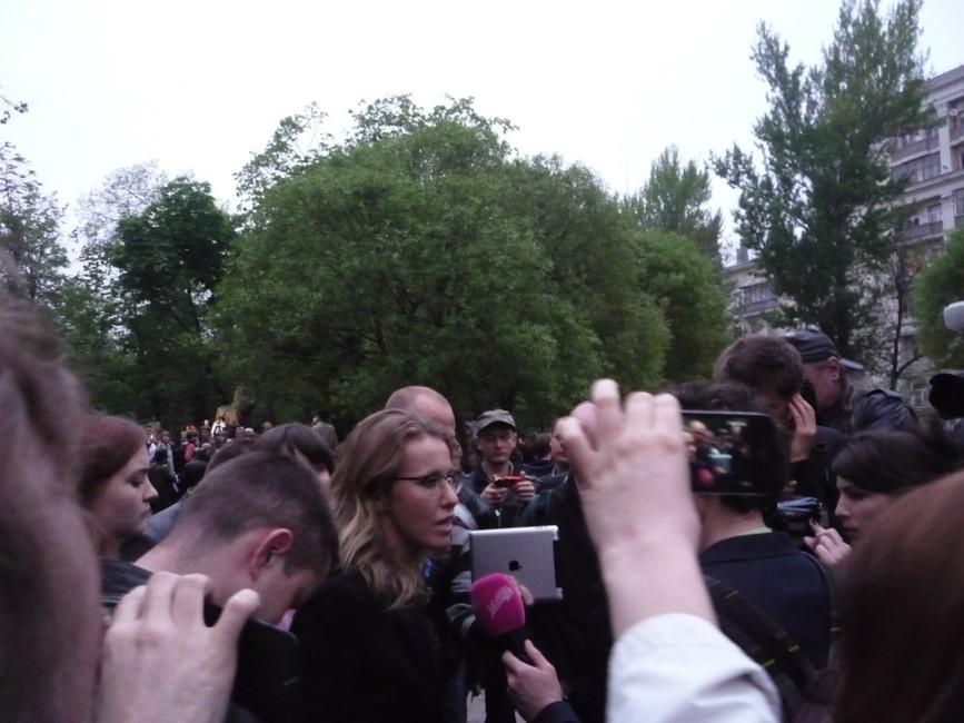 К.Собчак на«Оккупай Абае» вмае 2012 года